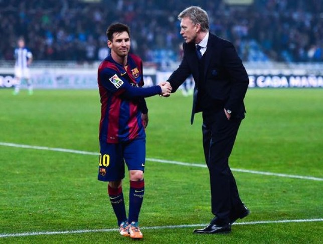David Moyes shakes Lionel Messi's hand