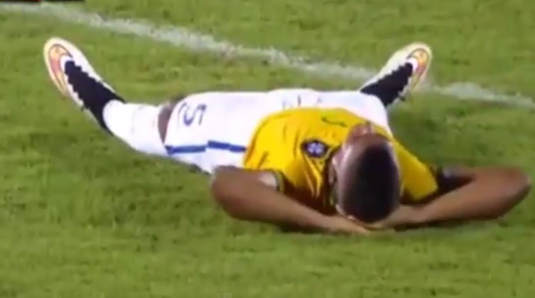 Wallace fancied a lie down (Picture: YouTube)