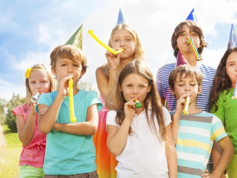 14 things that happened at every childhood birthday party