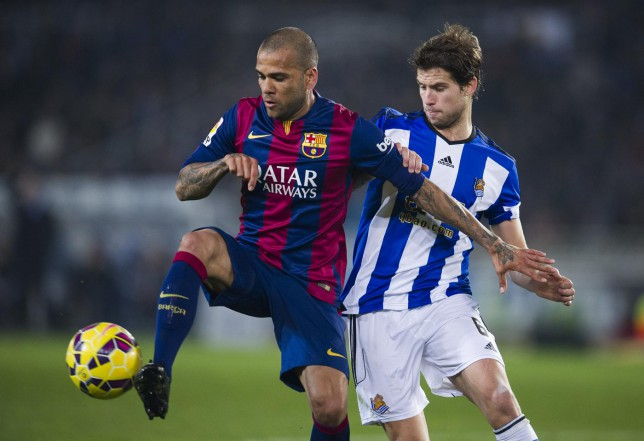 Manchester United to offer Dani Alves £15.6m to sign at Old Trafford