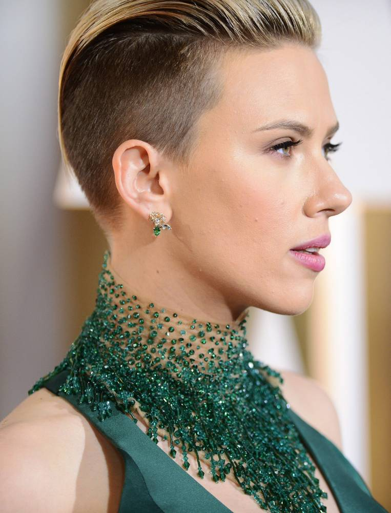 Oscars 2015: Scarlett Johansson's haircut causes waves