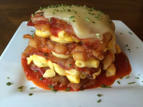 This Bacon Mac Lasagna is a masterpiece of food layering