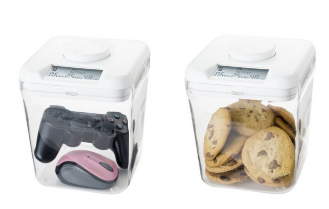 These Kitchen Safe time-lock jars guarantee to stop you