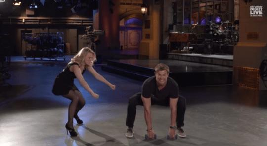 Chris Hemsworth weights