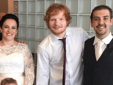 Ed Sheeran gatecrashes wedding, gives couple amazing first dance
