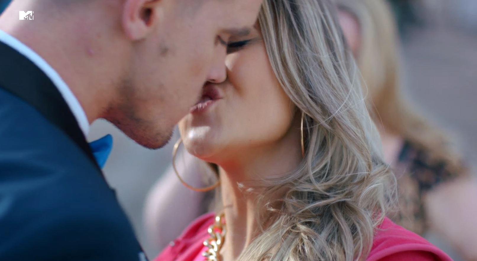 Geordie Shore season 10 Gaz Beadle kiss (Picture: MTV)