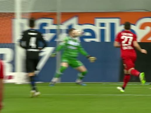 Bayer Leverkusen's Stefan Kiessling knocks out SC Paderborn keeper Lukas Kruse with thunderbolt