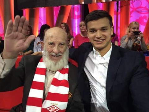 Spartak Moscow players donate more than £5,000 to 102-year-old fan scammed out of life savings