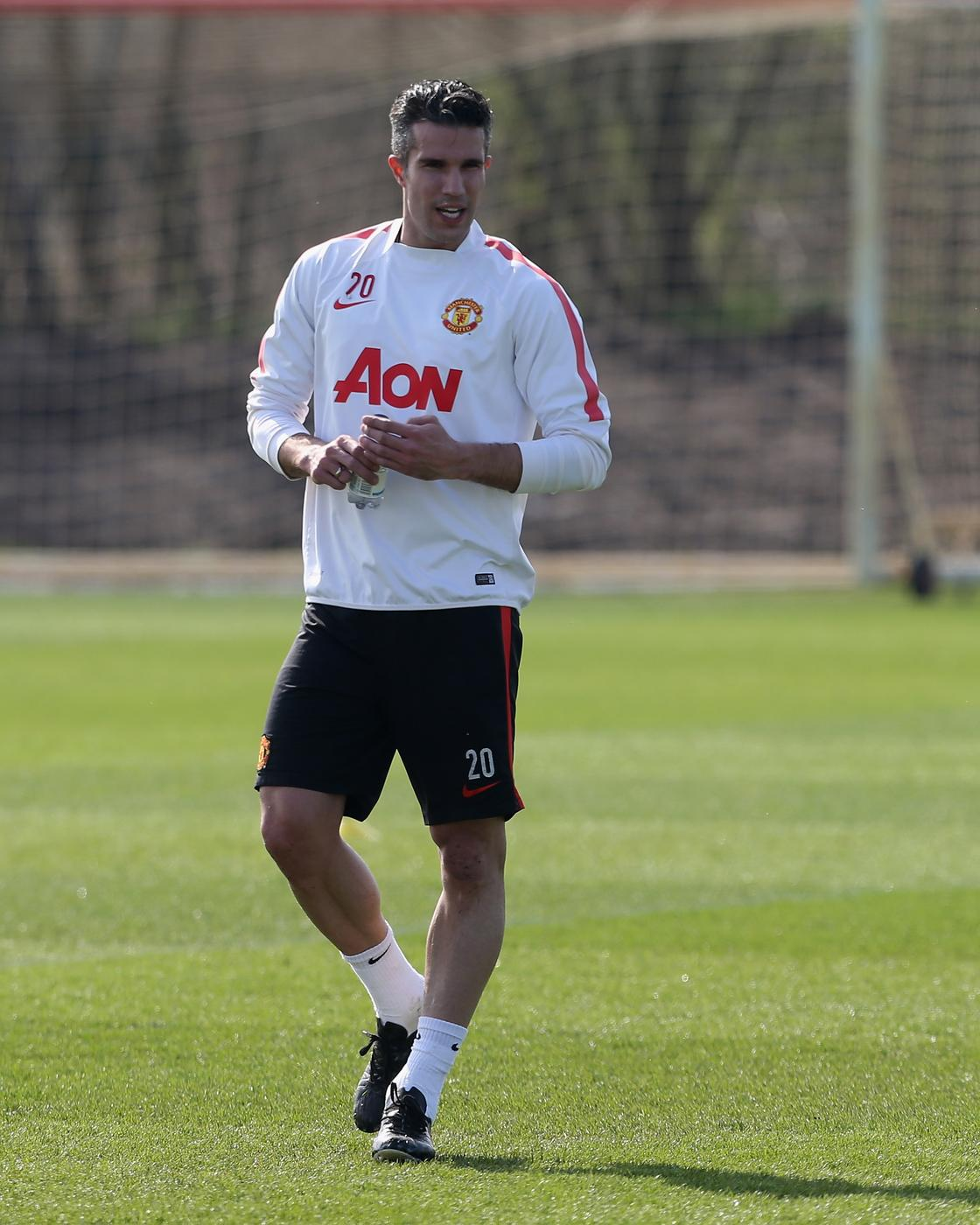 Robin van Persie 'set to reject Galatasaray and Fenerbahce' for final title bid with Manchester United
