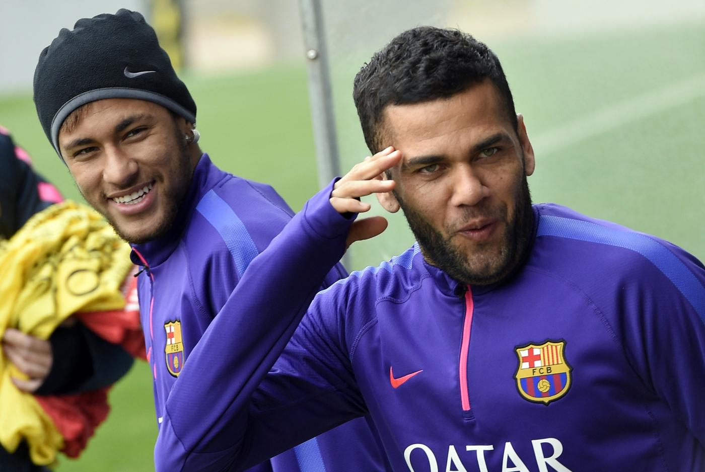 Manchester United in pole position for Dani Alves transfer as Paris Saint-Germain end interest in Barcelona star