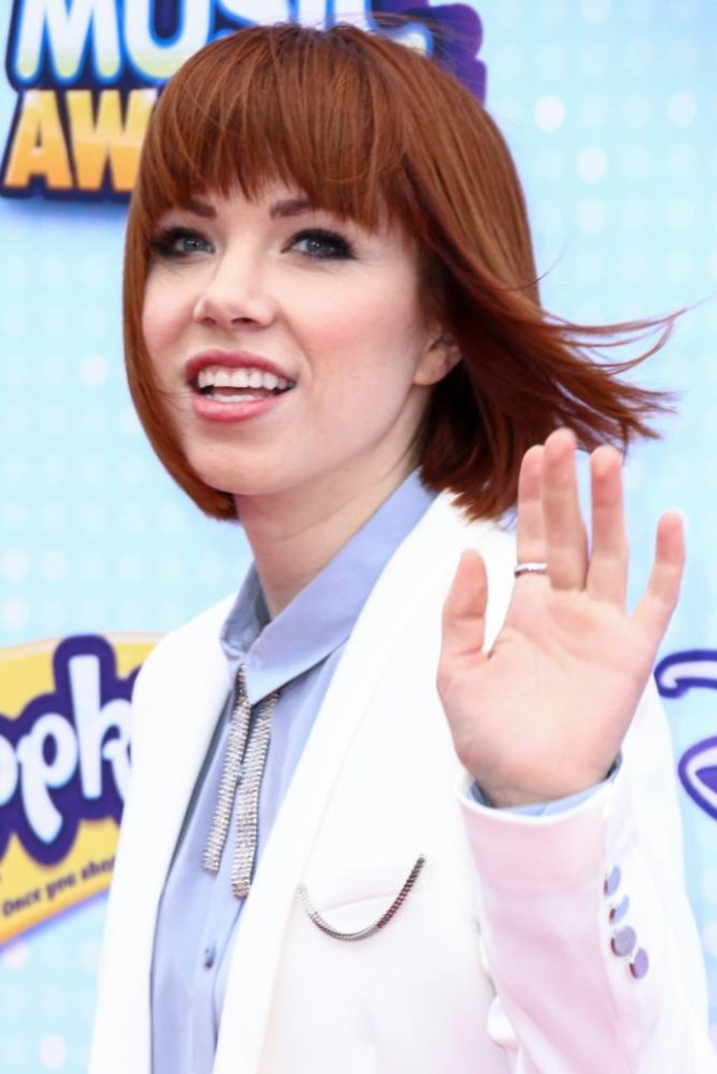 Carly Rae Jepsen arrives at the 2015 Radio Disney Music Awards at Nokia Theatre L.A. Live on Saturday, April, 25, 2105 in Los Angeles. (Photo by John Salangsang/Invision/AP)