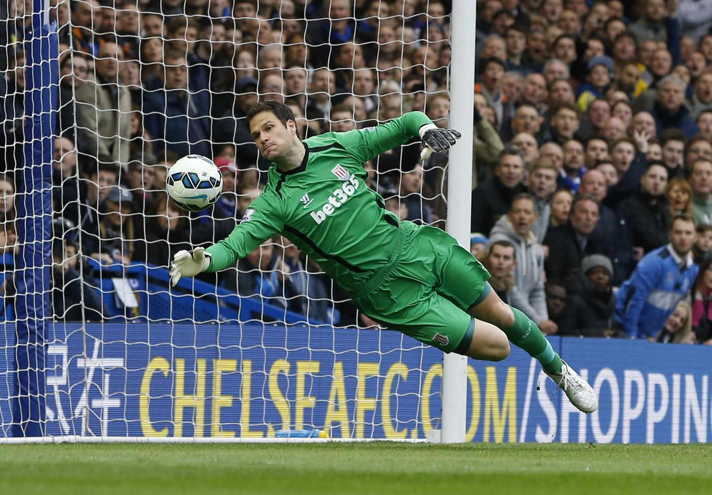 It's time Stoke City manager Mark Hughes dropped Asmir Begovic