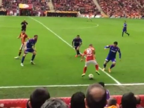 Manchester United transfer target Wesley Sneijder owns Karabukspor defence with incredible skills