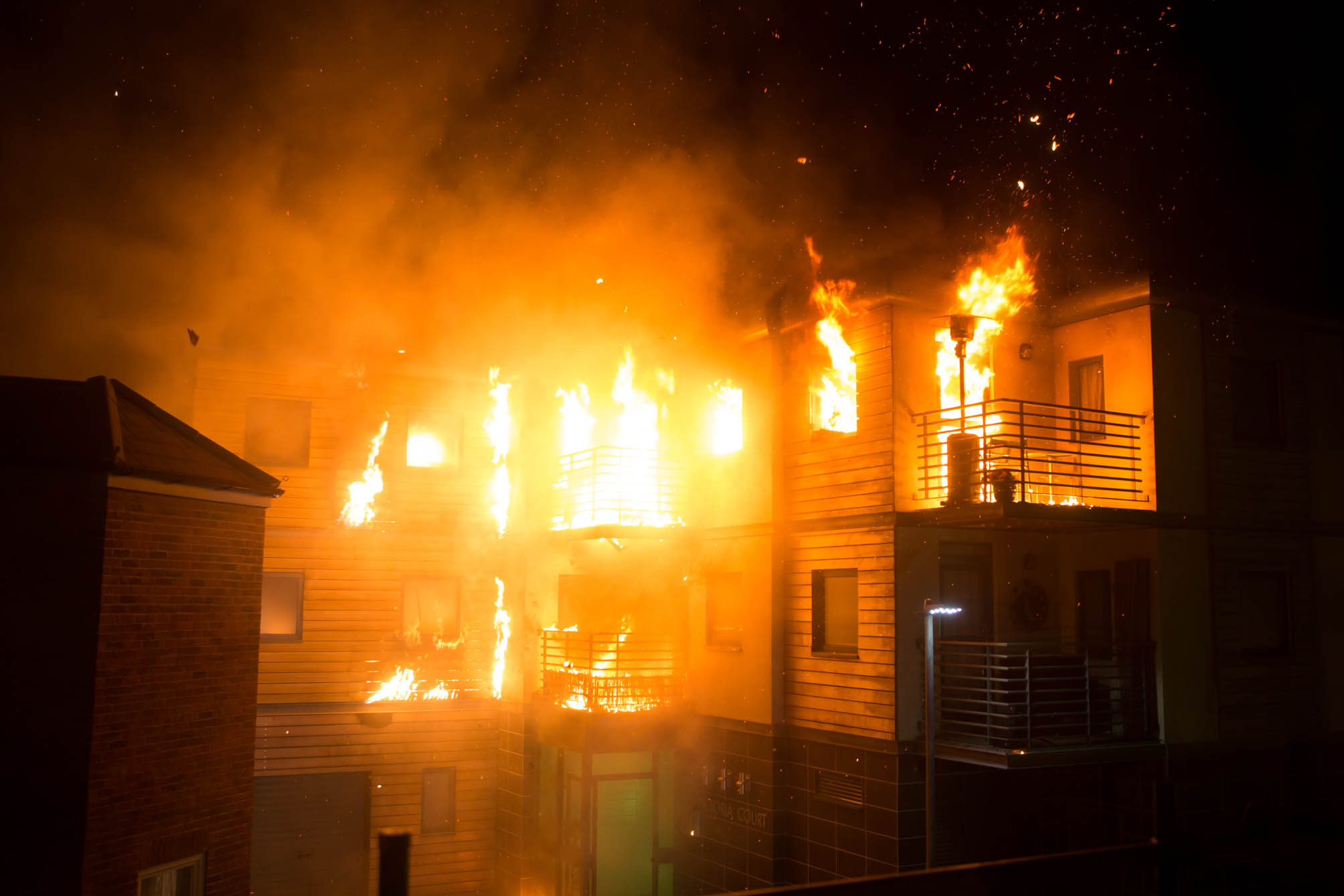 FROM ITV STRICT EMBARGO -TV Listings Magazines & websites Tuesday 19 May 2015, Newspapers Saturday 23 May 2015  Coronation Street - Ep 8648 Wednesday 27 May 2015 With Tracy having snook from the flat will anyone find Carla before it's too late? And when flames suddenly start licking through the building it looks like there could be more than one person in jeopardy!  Picture contact: david.crook@itv.com on 0161 952 6214 Photographer - Mark Bruce This photograph is (C) ITV Plc and can only be reproduced for editorial purposes directly in connection with the programme or event mentioned above, or ITV plc. Once made available by ITV plc Picture Desk, this photograph can be reproduced once only up until the transmission [TX] date and no reproduction fee will be charged. Any subsequent usage may incur a fee. This photograph must not be manipulated [excluding basic cropping] in a manner which alters the visual appearance of the person photographed deemed detrimental or inappropriate by ITV plc Picture Desk. This photograph must not be syndicated to any other company, publication or website, or permanently archived, without the express written permission of ITV Plc Picture Desk. Full Terms and conditions are available on the website www.itvpictures.com