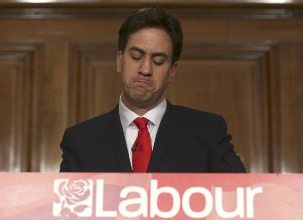 Britain's opposition Labour Party leader Ed Miliband announces his resignation as leader at a news conference in London, Britain May 8, 2015. Prime Minister David Cameron won a shock election victory in Britain, overturning predictions that the vote would be the closest in decades to sweep into office for another five years, with his Labour opponents in tatters.    REUTERS/Neil Hall  TPX IMAGES OF THE DAY