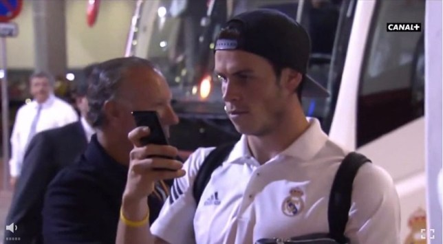 Gareth Bale helps some James Rodriguez fans out