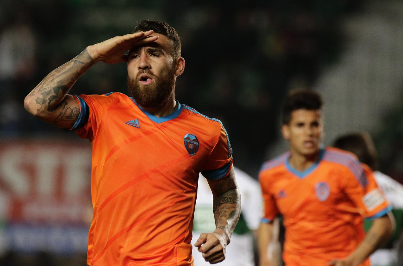 Manchester United 'on cusp of completing Nicolas Otamendi transfer, personal terms have been agreed'
