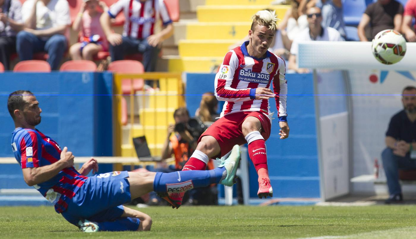 Why Arsenal's Arsene Wenger must make a transfer move NOW to stop Chelsea signing Antoine Griezmann