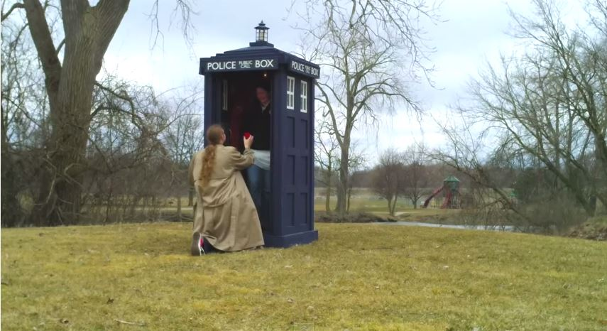 The ultimate Doctor Who fan proposal? Man builds Tardis in 10 days especially and videos it