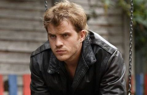 When does Rob Kazinsky return as Sean Slater to EastEnders?