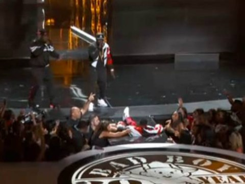 P Diddy falls THROUGH the stage while performing at 2015 BET Awards – gets mocked a LOT on Twitter
