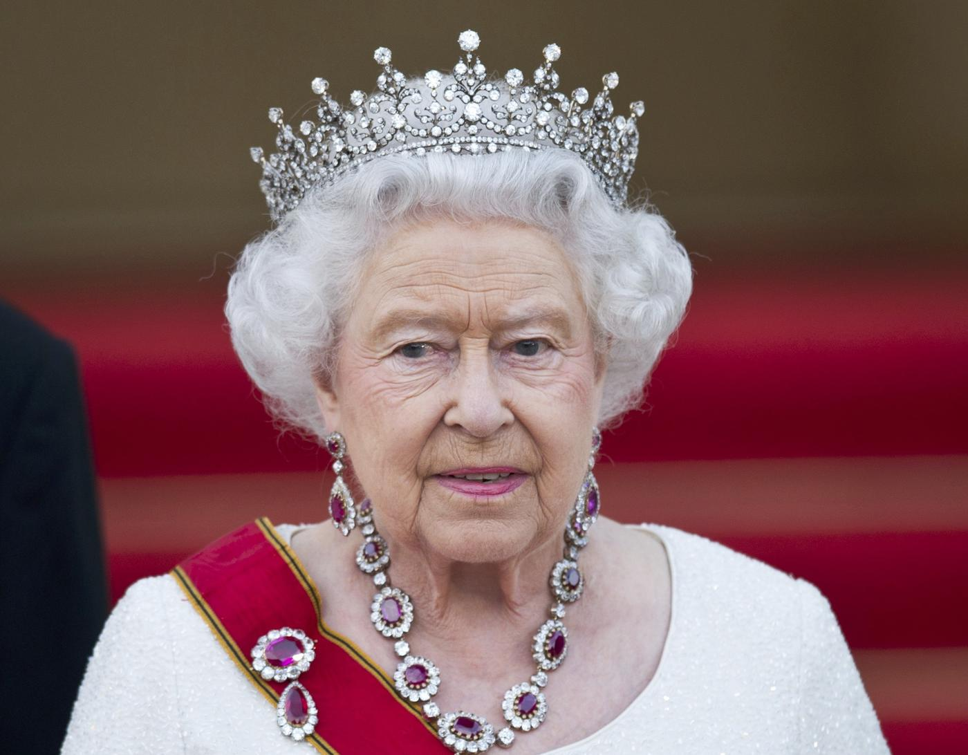 The Queen 'wants Britain to stay in the EU'