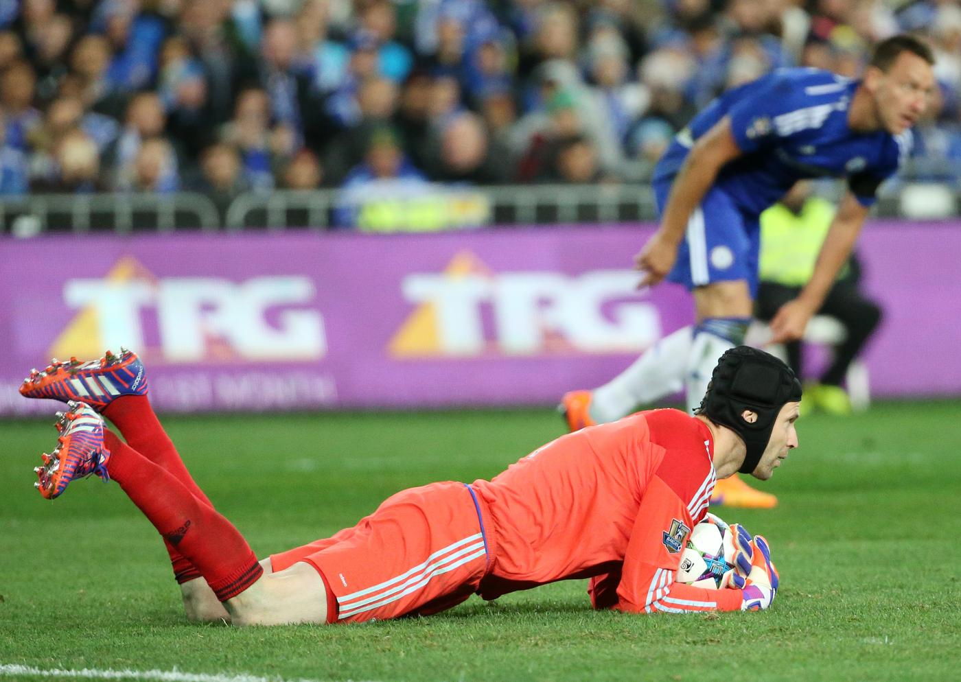 Bookies slash odds on Petr Cech completing transfer to Manchester United from Chelsea