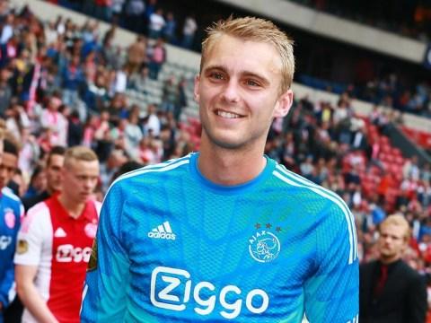 Manchester United line up transfer offer for Ajax goalkeeper Jasper Cillessen