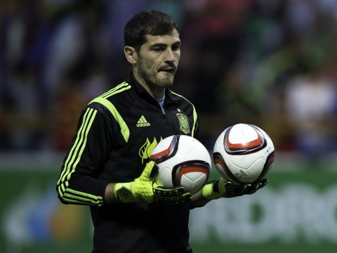 Iker Casillas' agent 'has met with Tottenham to discuss transfer'
