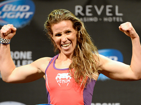 Female UFC fighter Leslie Smith just beat an apology of a man who grabbed her friend's bum
