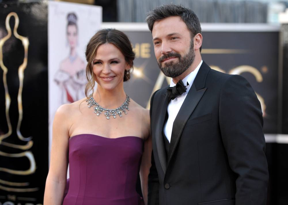 Ben Affleck has nothing but kind words to say as he defends Jennifer Garner over THAT Vanity Fair interview
