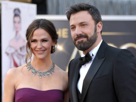 Ben Affleck and Jennifer Garner will stay living together despite divorce