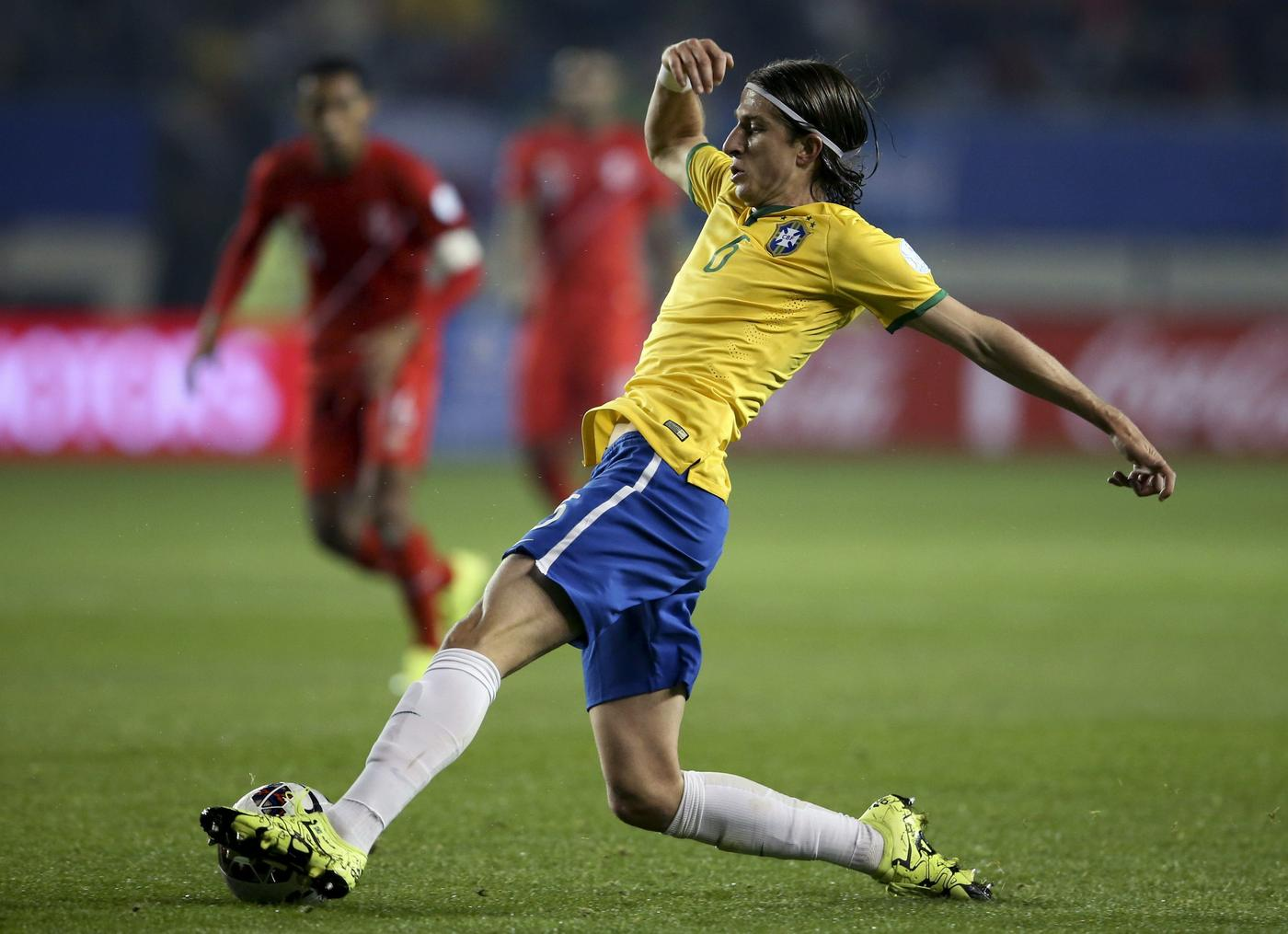 Filipe Luis 'set to leave Chelsea for Atletico Madrid, £11.1m transfer has been agreed'
