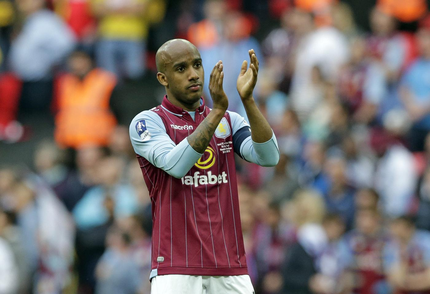Fabian Delph 'asked Micah Richards about life at Manchester City'