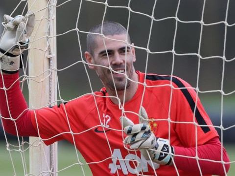 Man United keeper Victor Valdes commits to the Red Devils amid speculation over his future