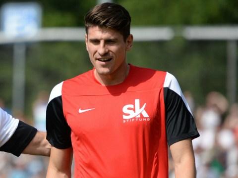 Mario Gomez 'close to Liverpool transfer in Mario Balotelli swap'