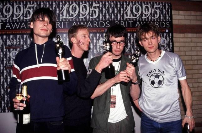 Blur beat Oasis in the Britpop battle of 1995