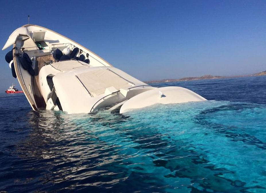 $6m American-owned superyacht sinking after running aground off the millionaire's favorite Greek island of Mykonos