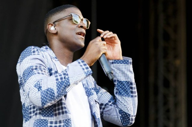 CHELMSFORD, ENGLAND - AUGUST 22:  Labrinth performs on Day 1 of the V Festival at Hylands Park on August 22, 2015 in Chelmsford, England.  (Photo by Tristan Fewings/Getty Images)