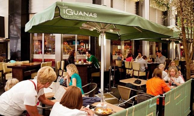 people-eating-a-meal-at-L-009.jpg Las Iguanas