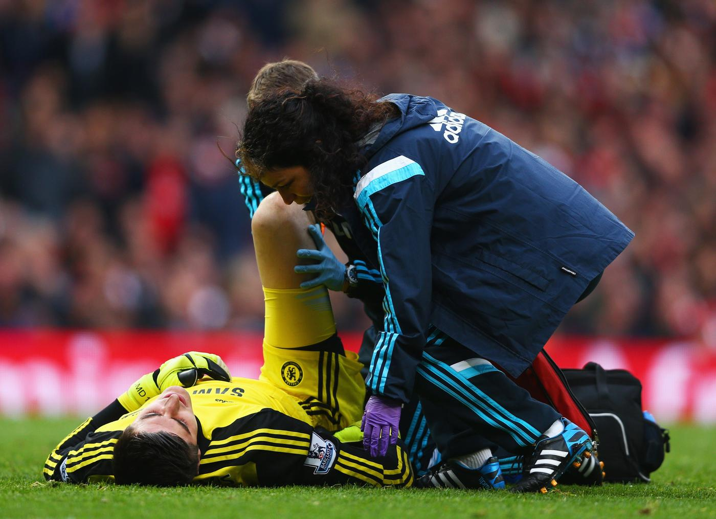 Chelsea doctor Eva Carneiro 'should quit Chelsea for Arsenal this month'
