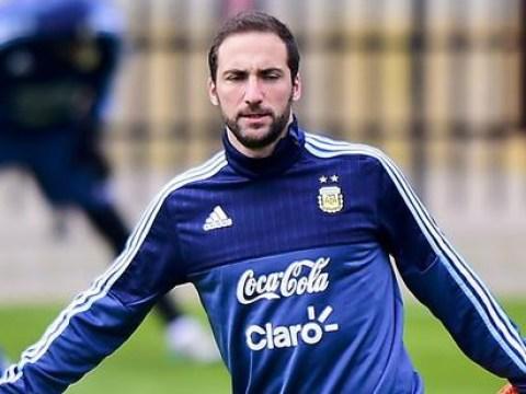 Chelsea 'on alert for £66m Gonzalo Higuain as he asks for transfer'