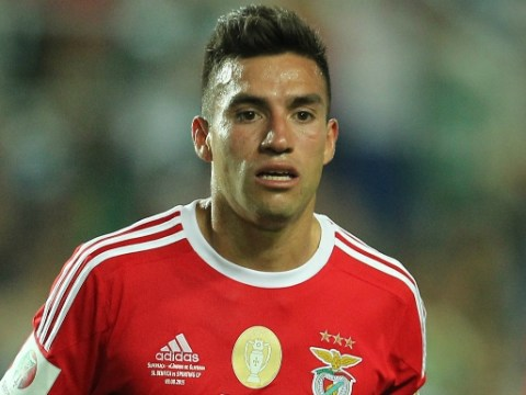 Nicolas Gaitan's agent 'flying in to seal Manchester United transfer'