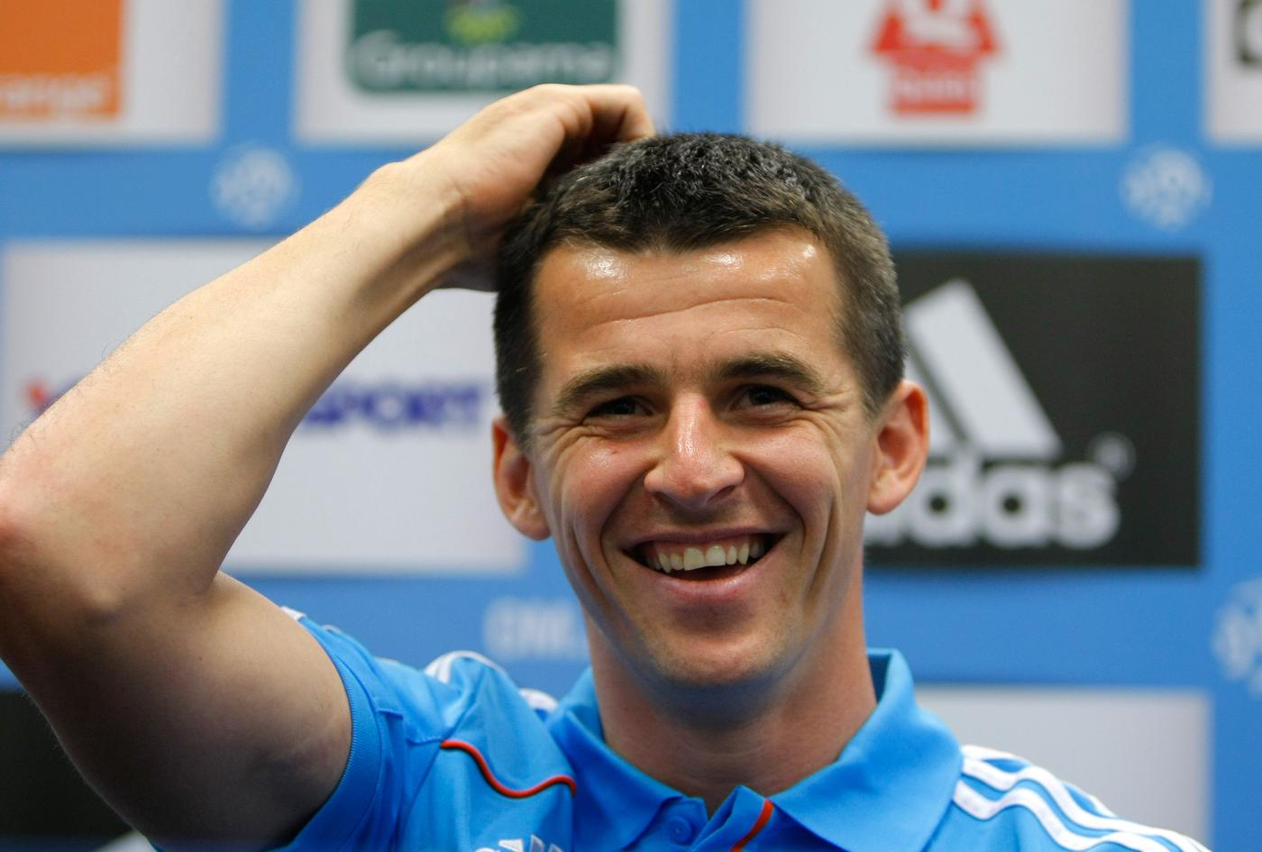 Joey Barton signs for Burnley and his old tweets instantly come back to haunt him