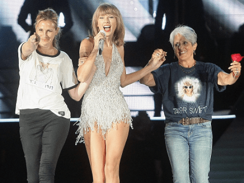 WATCH Julia Roberts do the coolest mum-dancing onstage with Taylor Swift