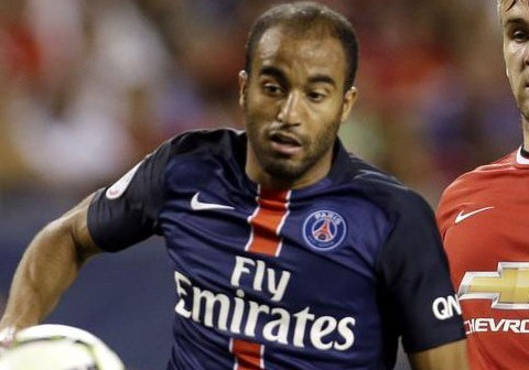 Manchester United 'in talks with PSG over Lucas Moura transfer'