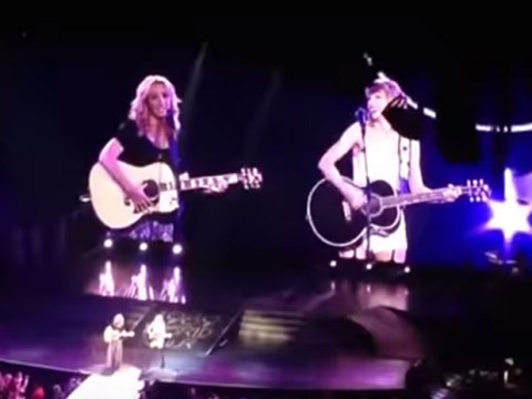 Taylor Swift and Lisa Kudrow sang Smelly Cat on stage together and it was perfect