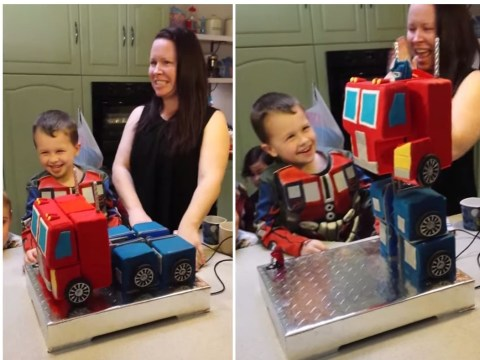 This Optimus Prime Transformer cake actually transforms. Mind blown.