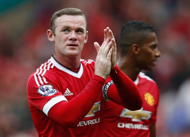 MANCHESTER, ENGLAND - SEPTEMBER 26: Wayne Rooney of Manchester United applauds the fans after the Barclays Premier League match between Manchester United and Sunderland at Old Trafford on September 26, 2015 in Manchester, United Kingdom. (Photo by Dean Mouhtaropoulos/Getty Images)