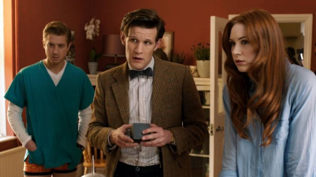 Television Programme: Doctor Who with Rory Williams (ARTHUR DARVILL), The Doctor (MATT SMITH), Amy Pond (KAREN GILLAN) TX: 22/09/2012 - Episode: The Power of Three (No. 4) - Embargoed for publication until: n/a - Picture Shows: Rory Williams (ARTHUR DARVILL), The Doctor (MATT SMITH), Amy Pond (KAREN GILLAN) - (C) BBC - Photographer: screengrab